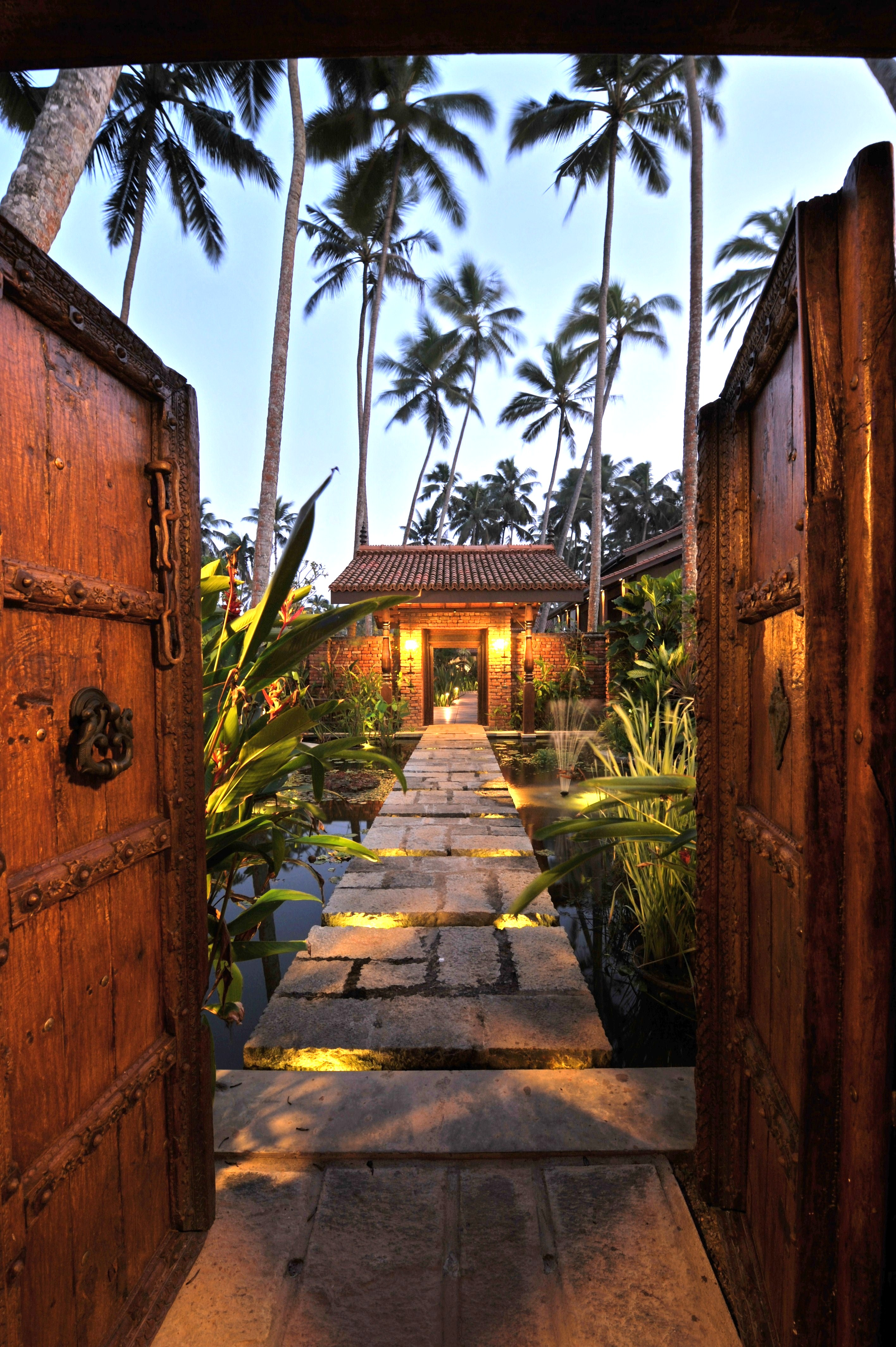 Reef the ultimate tropical beach villa sri lanka for Garden designs sri lanka
